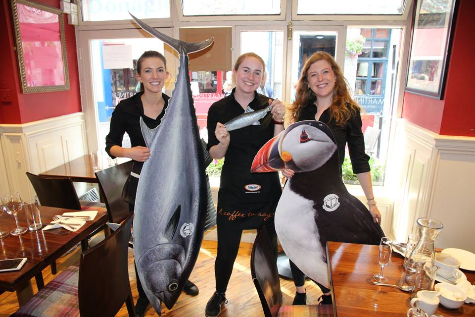 waitresses-in-galway-support-our-call-to-end-oevrfishing